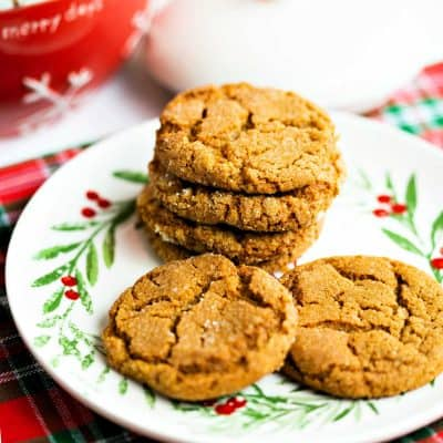 Ginger Molasses Cookies: A Holiday Tradition