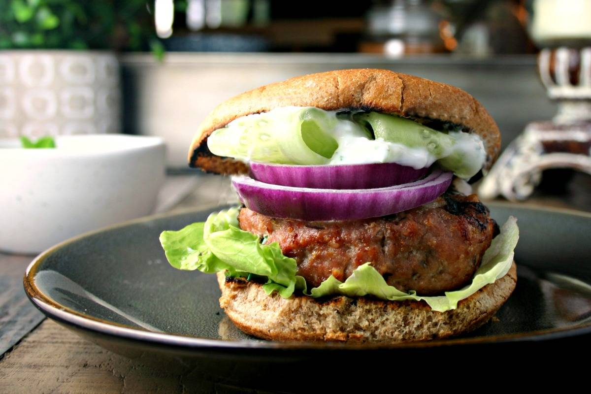 Greek Turkey Burger | www.lifeloveandgoodfood.com