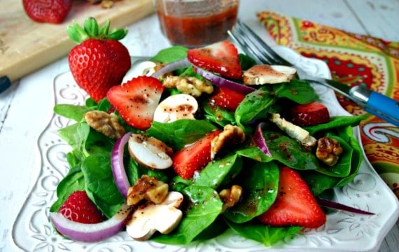 Spinach Strawberry Salad with Raspberry Poppyseed Vinaigrette | Life, Love, and Good Food