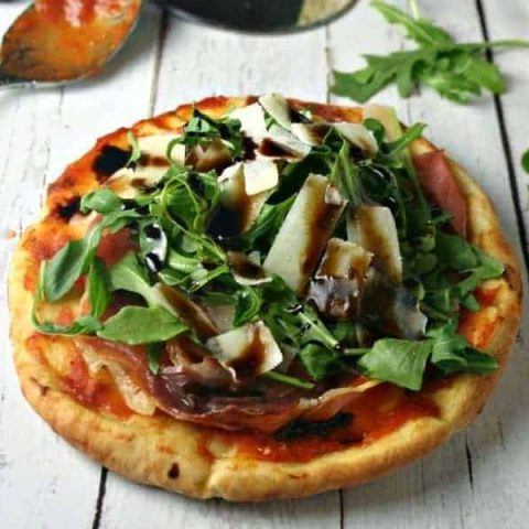 Arugula Prosciutto Personal Pita Pizzas | Life, Love, and Good Food