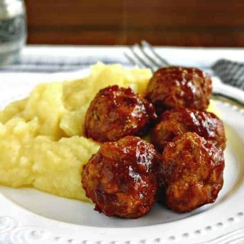 Skinny BBQ Turkey Meatballs and Mashed Potatoes | Life, Love, and Good Food