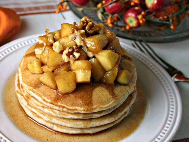 Apple Cinnamon Pancakes | lifeloveandgoodfood.com