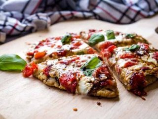 Mini Caprese Pizzas (Gluten Free Crust)