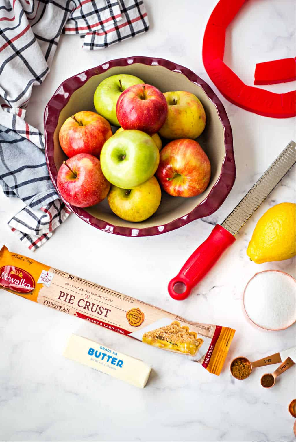 ingredients for apple crumble pie